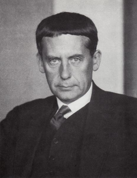 Walter_Gropius. Foto: Hugo Erfurth, 1928. Public domain.